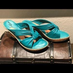 Born Wedge Sandals Teal 8
